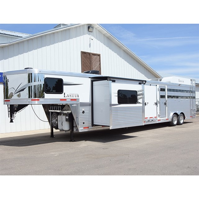 Used Horse Trailers For Sale In CO