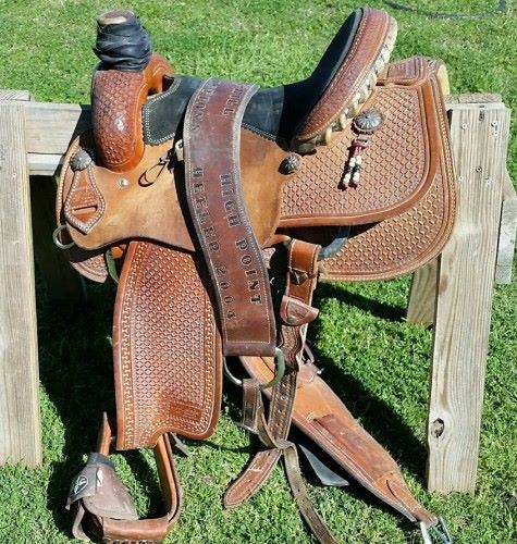 Gently used Jeff Smith Cowboy Collection Roping Saddle  14 5