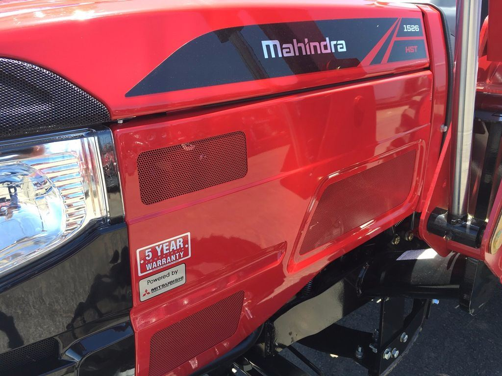 26 Horsepower MAHINDRA TRACTOR 1526 HST, Package Deal