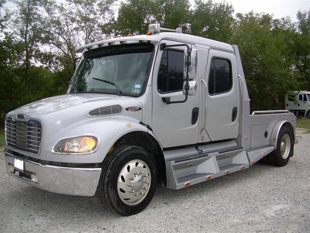 2004 Freightliner Sportchassis
