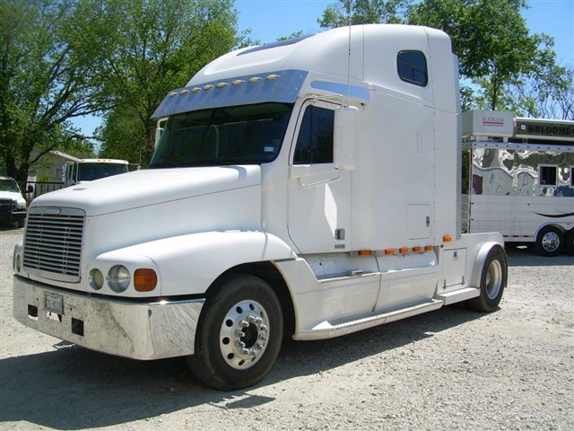Horse trailer world testimonials for Classic house 1998