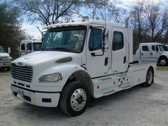2006 Freightliner Crew Cab Hauler